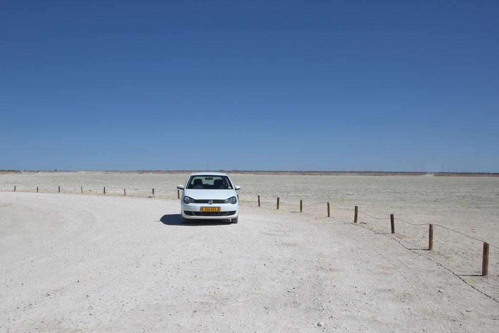 Mietwagen VW Polo im Etosha Nationalpark Namibia