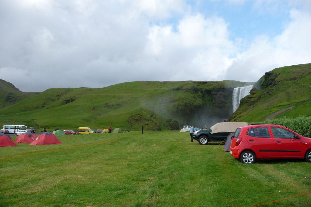 Zeltplatz am Skogafoss Wasserfall Island