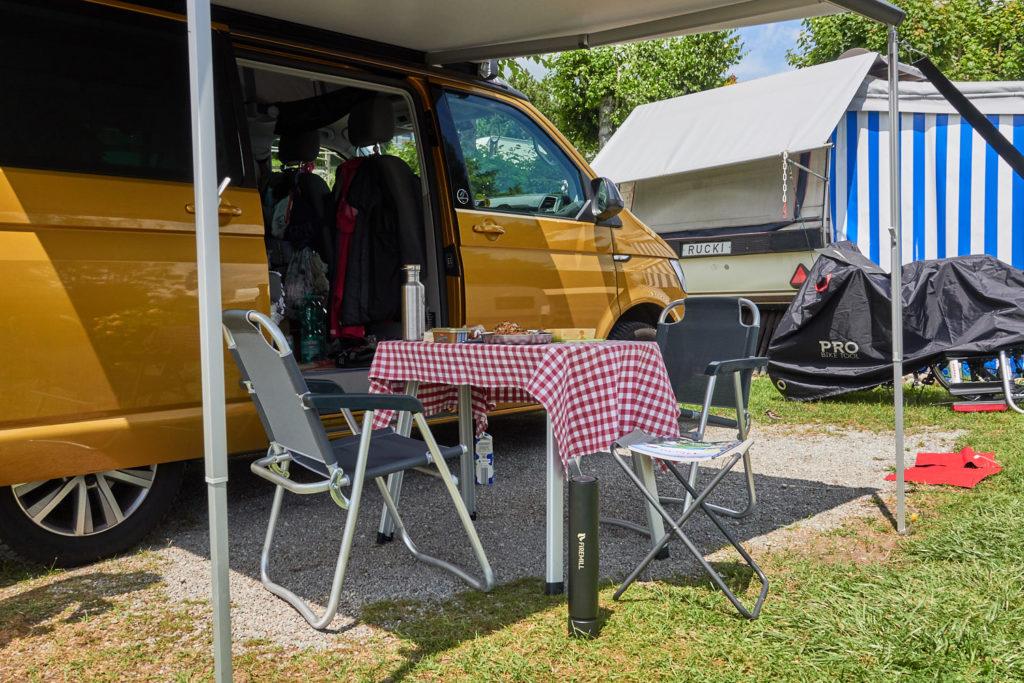 Camper auf dem Campingplatz