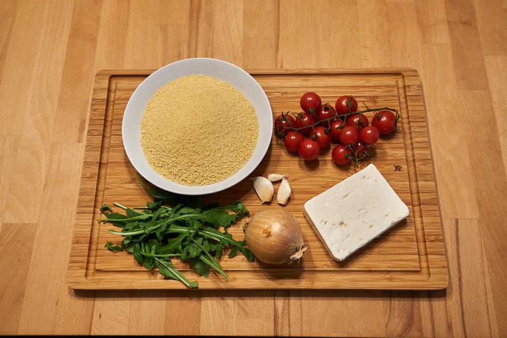 Zutaten Couscous Salat Rucola Tomate Feta Zwiebel Knoblauch