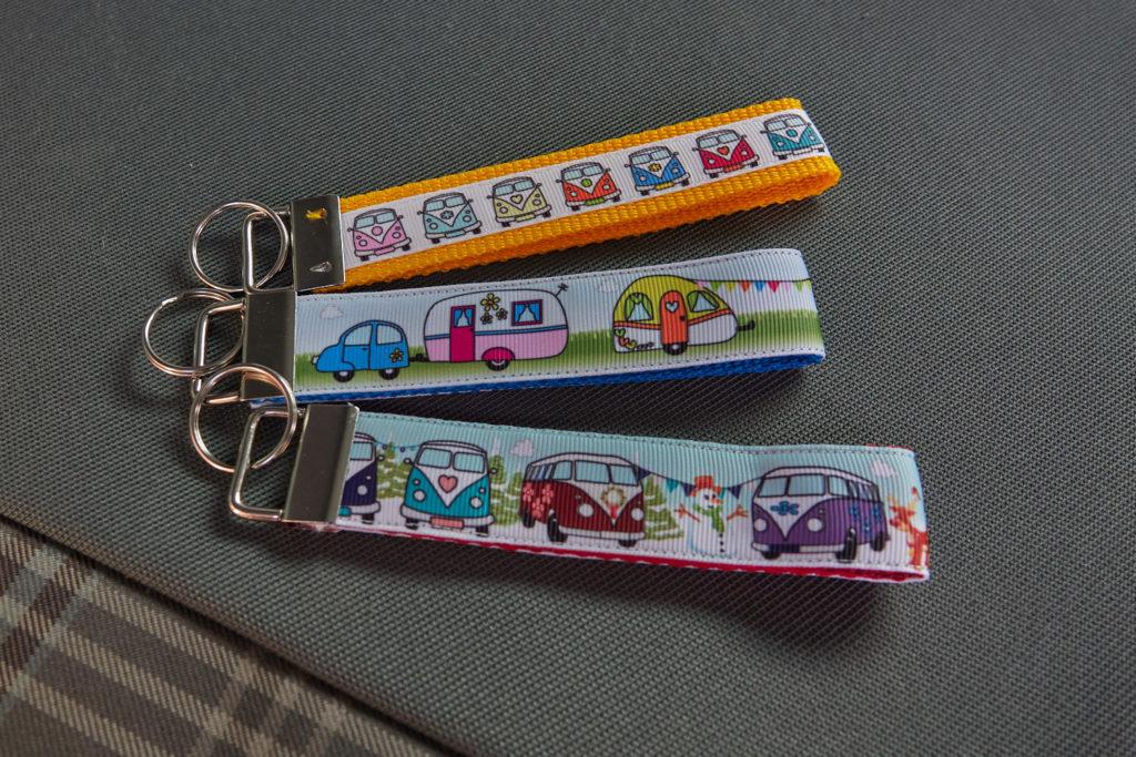 Camper Geschenke Schlüsselband Bullis und Wohnwagen