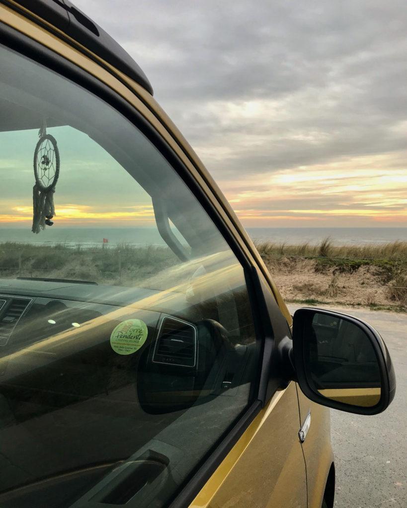 Traumfänger Strand VW Bus Sonnenuntergang