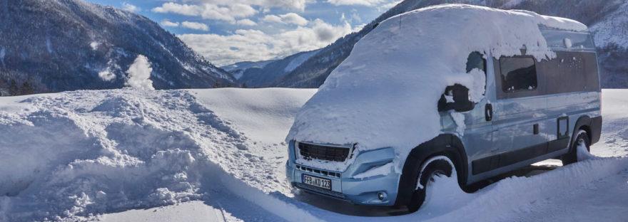 Kastenwagen kaufen Tourne Winter Berge