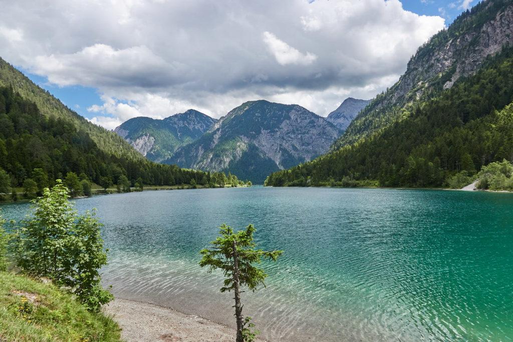 Plansee Tirol Berge grüner See
