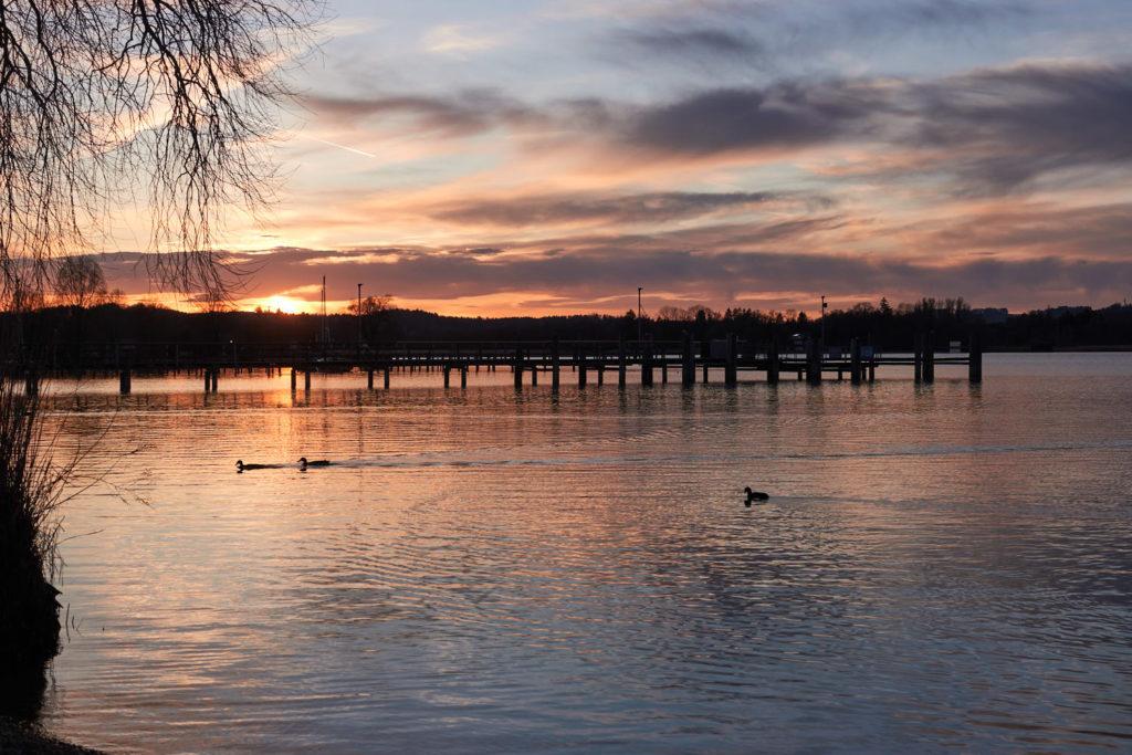 Sonnenuntergang auf dem Wohnmobilstellplatz am Chiemsee