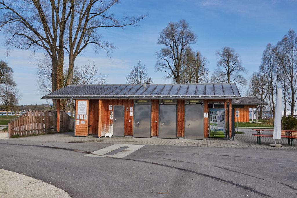Sanitärhaus Wohnmobilstellplatz Chiemsee